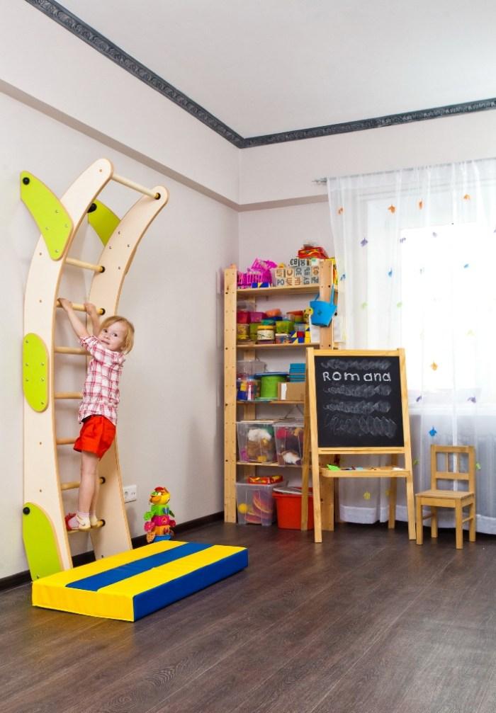физические упражнения, дети, шведская стенка