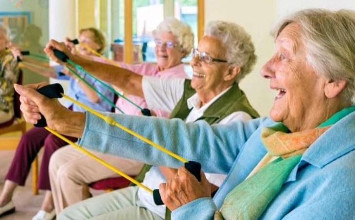 смех, физические упражнение, пожилые люди