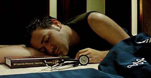Ученые пришли к выводу, что 5 из 1000 медицинских работников в США умирают из-за передозировки наркотических средств.
