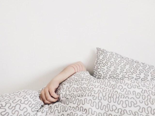 Нарушения сна могут предсказывать болезнь Альцгеймера