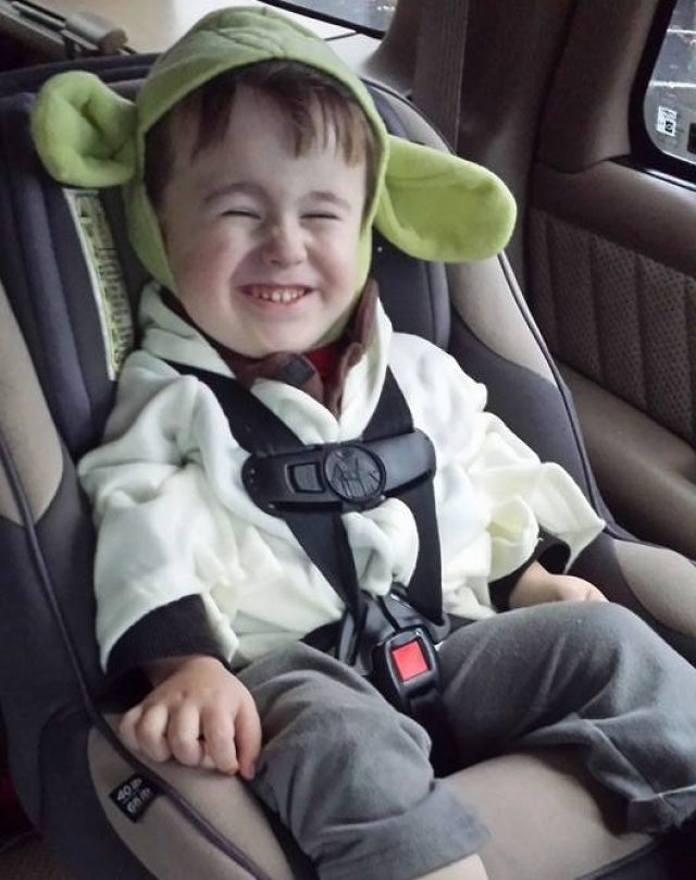 Alley son in car seat