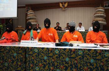 Brit Male Arrested Drug Smuggling Cannabis Bali Indonesia