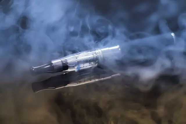 electronic cigarettes damage the brain