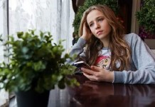 social media use and youth mental health
