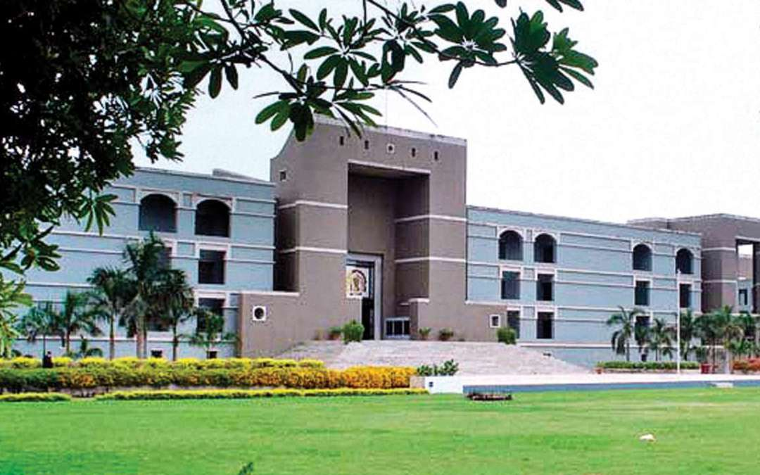Gujarat HC allowed Deemed University Students to Apply for PG Medical Courses