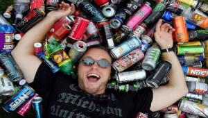 joven-bebidas-energizantes