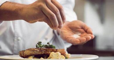 Bajar la sal en las comidas no ayuda a disminuir las cifras de presión arterial | Por: @linternista