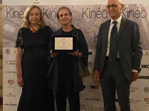 La Dott.ssa Lucia  Ercoli ritira il premio Kinéo al 78 Festival del Cinema di Venezia
