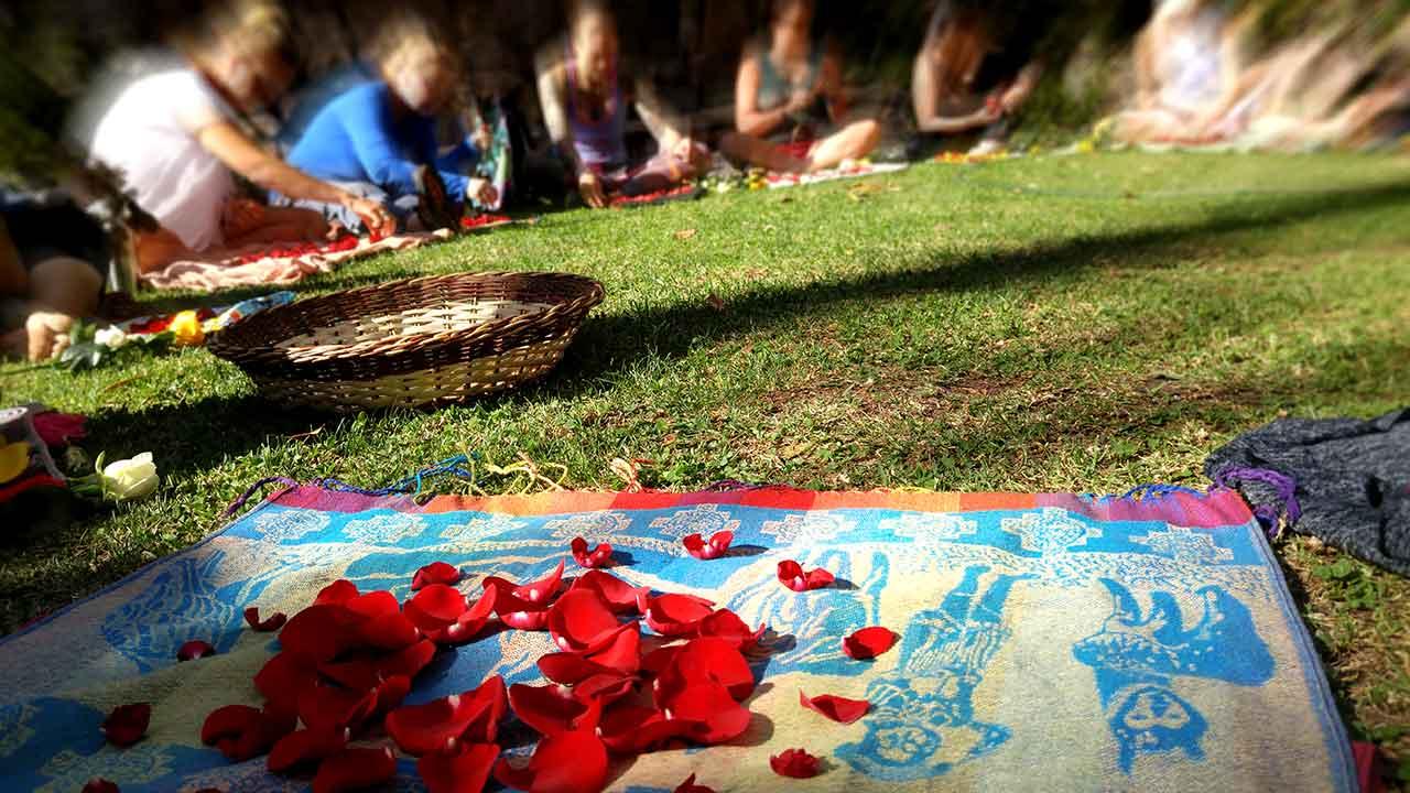medicine-weavings-women-centered-healing-roses