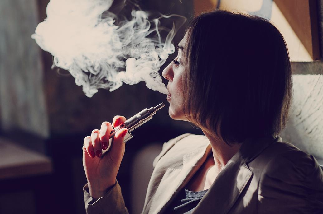 cigarros eletrónicos efeitos saúde oral