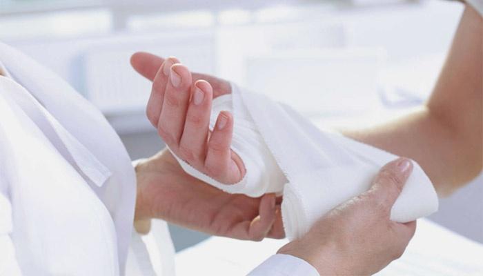 Признаки заражения крови при порезе. Заражение крови: основные симптомы сепсиса