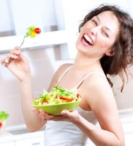 Woman-eat-vegetables