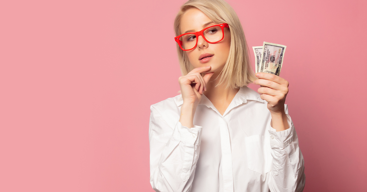 Blond women with money. MEDIjobs