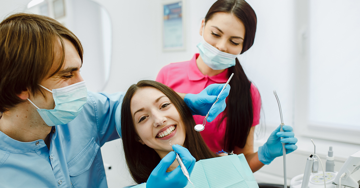 Dental Assistants. MEDIjobs