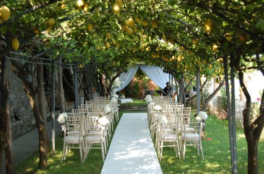 Lemon trees atmosphere: a touch of scented yellow for your ceremony