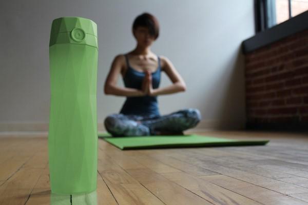 HidrataMe, una botella inteligente que te ayuda a hidratarte c