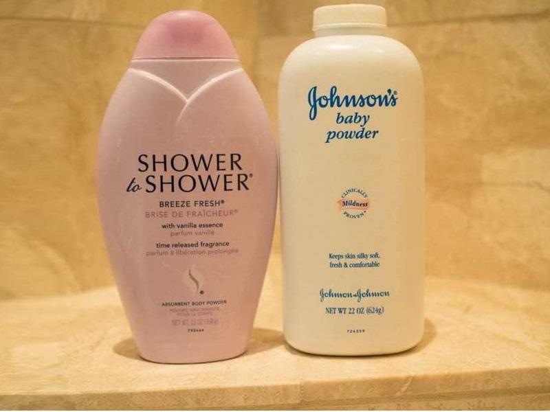 Johnson & Johnson reconoce que sus polvos de talco tienen amianto