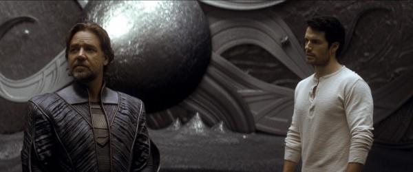 Man-of-Steel-Henry-Cavill-image-8-600x250