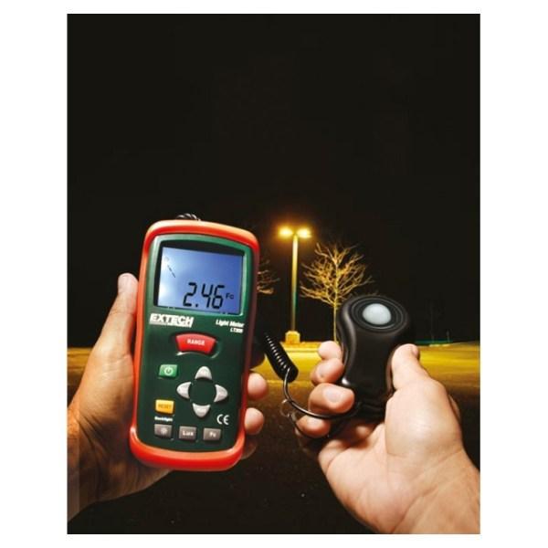 LT300: Fotómetro Pantalla digital y analógica de luz en bujías pie o Lux