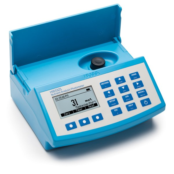Fotómetro para análisis de nutrientes