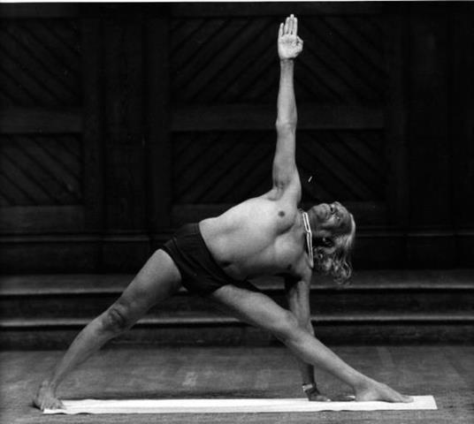 Posturi yoga