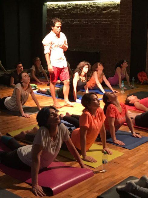 yoga pentru spate
