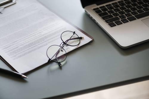 Praxisgründung Teil 1  – Darlehensverträge- nicht alles sollte ungeprüft unterschrieben werden!