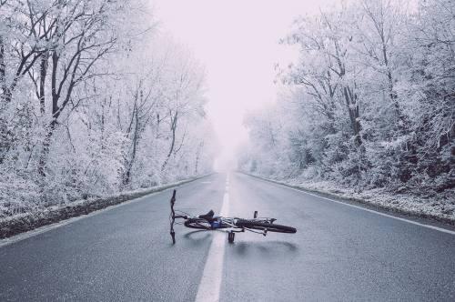 Verkehrssicherungspflicht einer Klinik wegen Schnee, Glatteis oder Laub