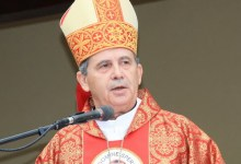 Photo of PROPOVIJED NADBISKUPA VUKŠIĆA NA ZLATNOJ MISI A DON BRANKA ŠIMOVIĆA