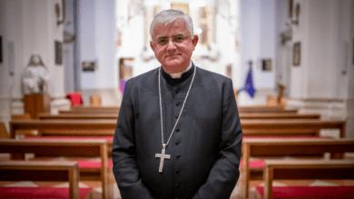 Photo of Nadbiskup Uzinić u pismu svećenicima predstavio nove mjere, u crkvi dozvoljeno najviše…