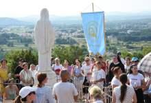 Photo of FOTO Velika devetnica župe Krista Kralja završava hodočašćem na uočnicu 40. obljetnice Gospinih ukazanja