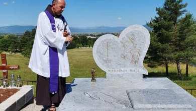 Photo of U Livnu blagoslovljena grobnica za nerođenu djecu