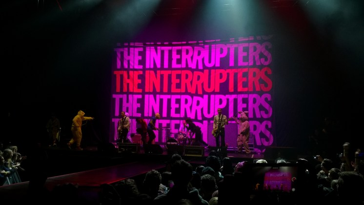 The Interrupters i przebrany Green Day