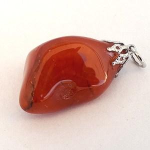 Carnelian-crystal-pendant-healing-1