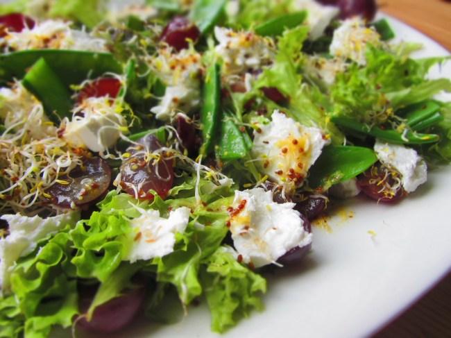 Salāti ar vīnogām