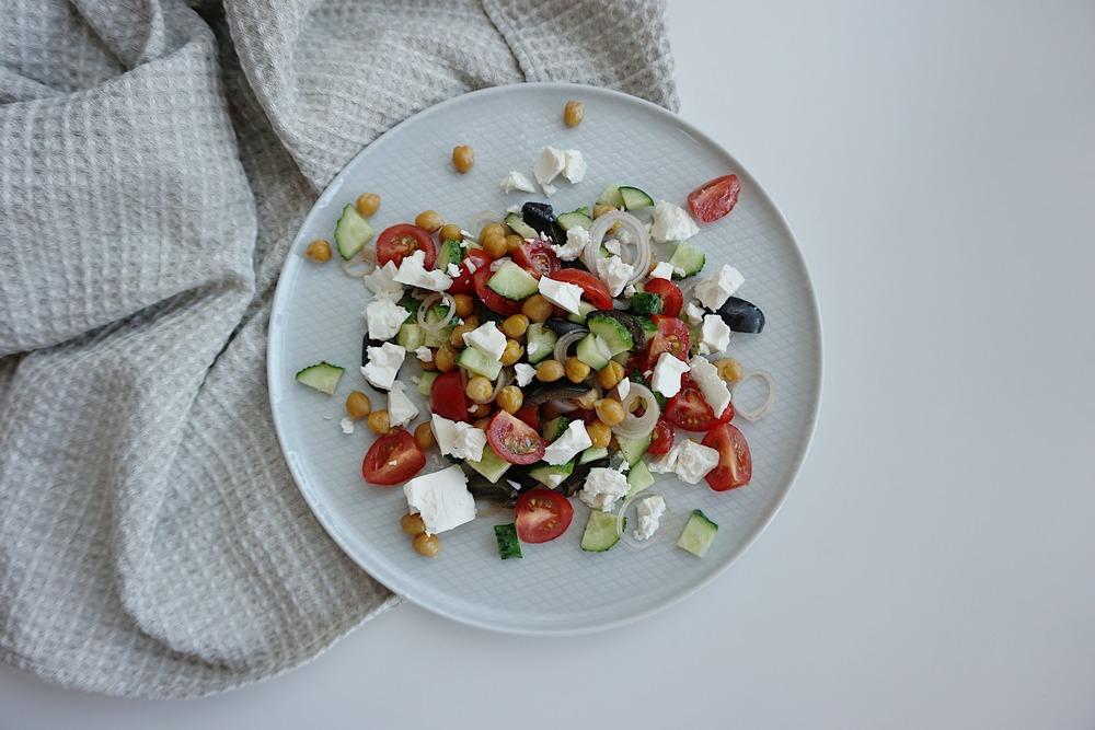 Grieķu salāti ar turku zirņiem