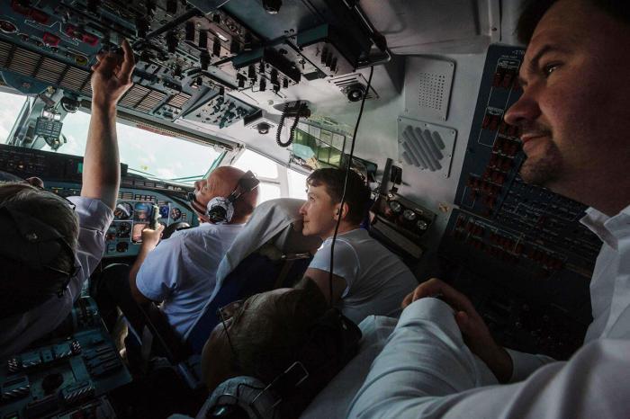 Надежда Савченко возвращается из России на Украину, 25 мая Фото: Михаил Палинчак / пресс-служба президента Украины / AFP / Scanpix / LETA