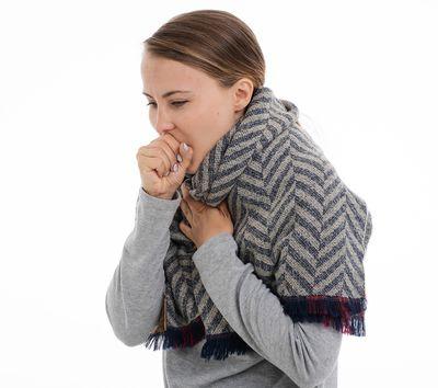 Husten - eines der Symptome der Tuberkulose