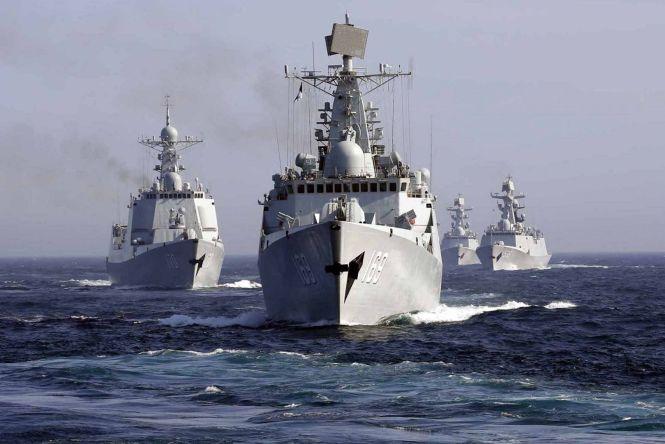 Čínske a ruské lode pri spoločnom cvičení