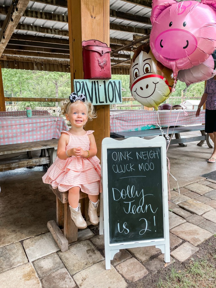 Dolly's 2nd Birthday Party at the Farm | Meekly Loving by Sydney Meek