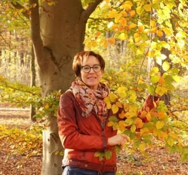 Eva Gerth im Wald