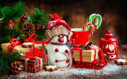 Weihanchten, Schneemann, Geschenke