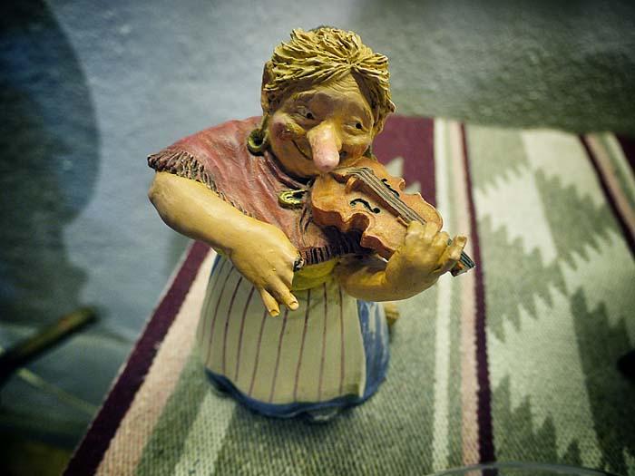 Was eine echte Huldra ist, spielt Geige.