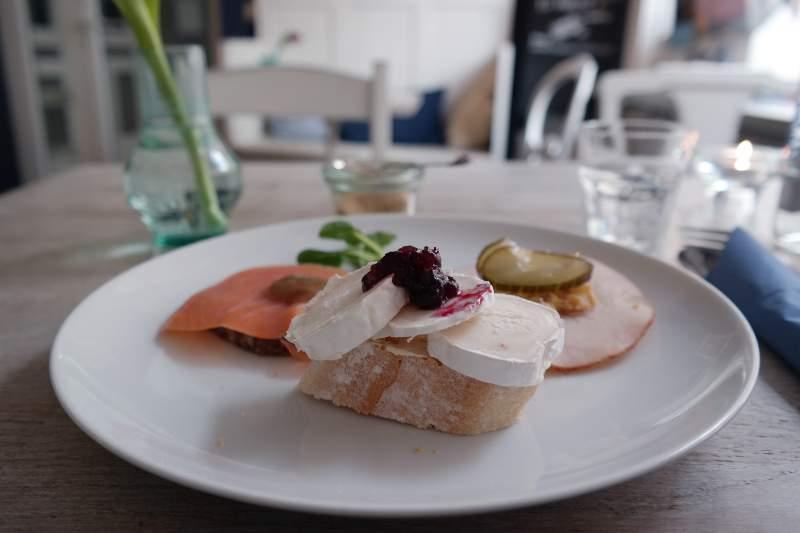 """Im Café """"Frøken Wildhagen"""", Lübeck"""