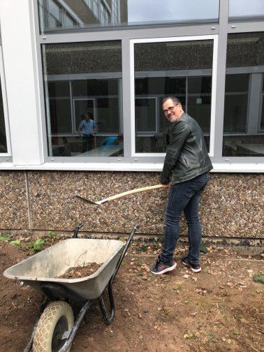 Der Förderverein unterstützt den Schulgarten