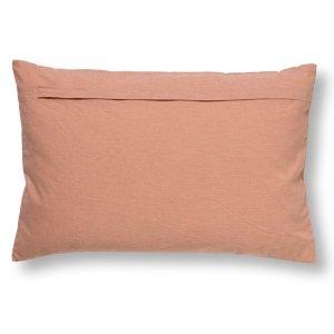 Sierkussen roze Madelin 40x60cm detail