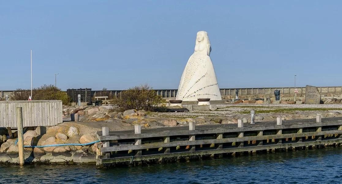 Sæby Hafen Frau am Meer
