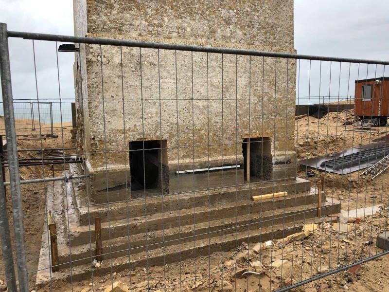 Zwei Ausschnitte im Fundament des Leuchtturms Rubjerg Knude Fyr