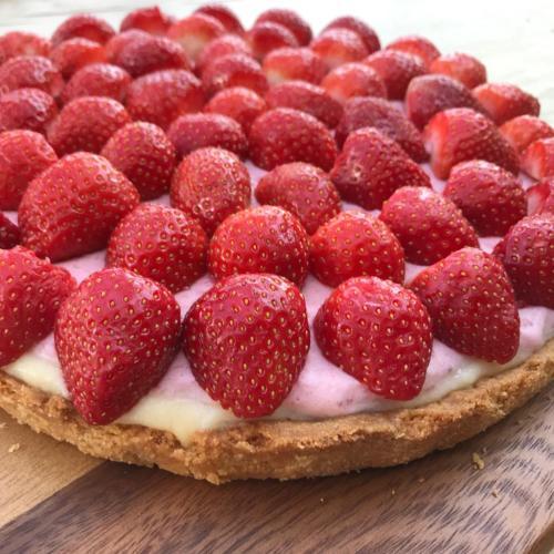 Lieke bakt: een zomer frisse aardbeientaart