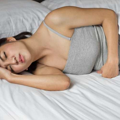 https://www.shutterstock.com/nl/image-photo/sick-woman-on-bed-concept-stomachache-159452612